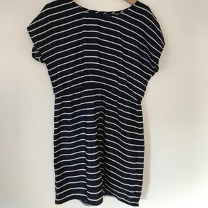 Dresses & Skirts - Navy stripped dress